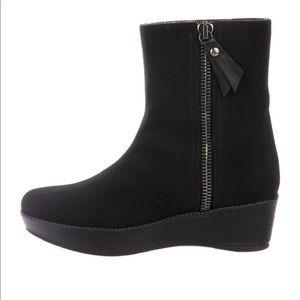 Stuart Weitzman Size 6 Canvas Ankle Boots